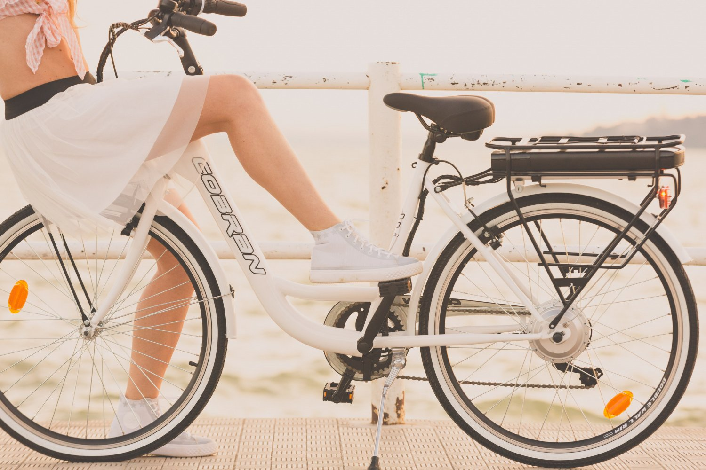 Bici elettrica economica a litio Cobran New Easy
