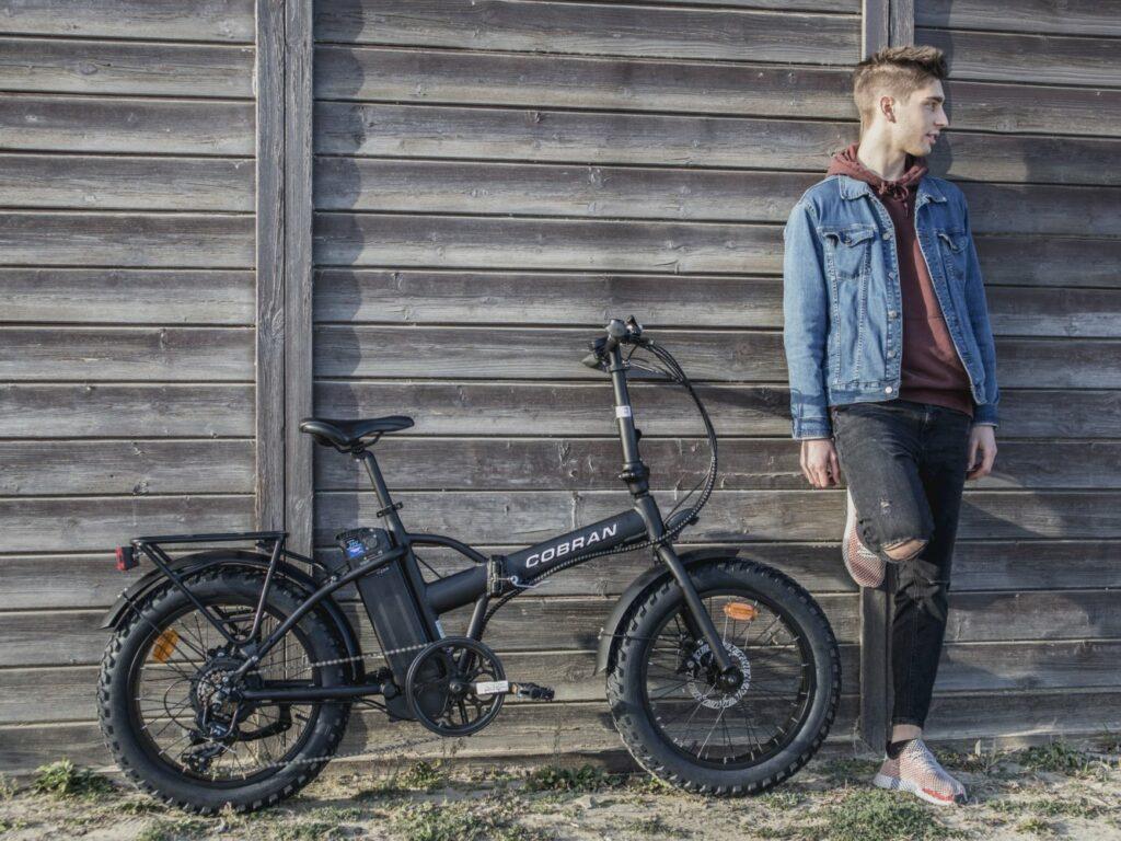 Fat bike elettrica pieghevole cobran